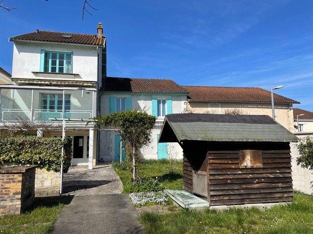 Maison à vendre 10 260m2 à Saint-Astier vignette-1