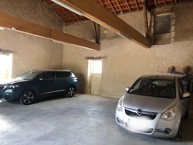 Maison à vendre 10 260m2 à Saint-Astier vignette-4