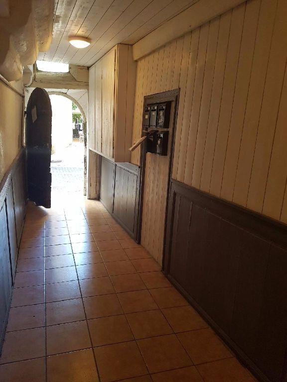 Appartement à louer 2 25m2 à Périgueux vignette-3