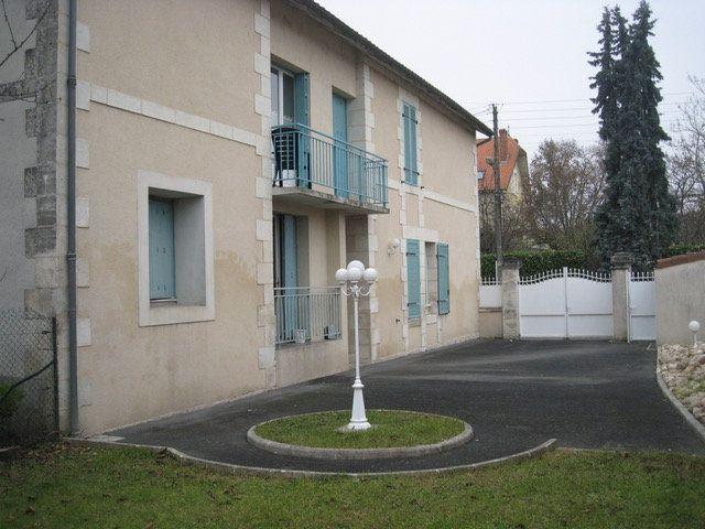 Appartement à louer 1 29m2 à Périgueux vignette-2