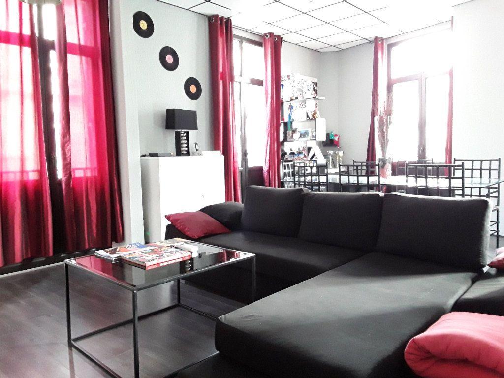 Appartement à vendre 3 96.68m2 à Périgueux vignette-4
