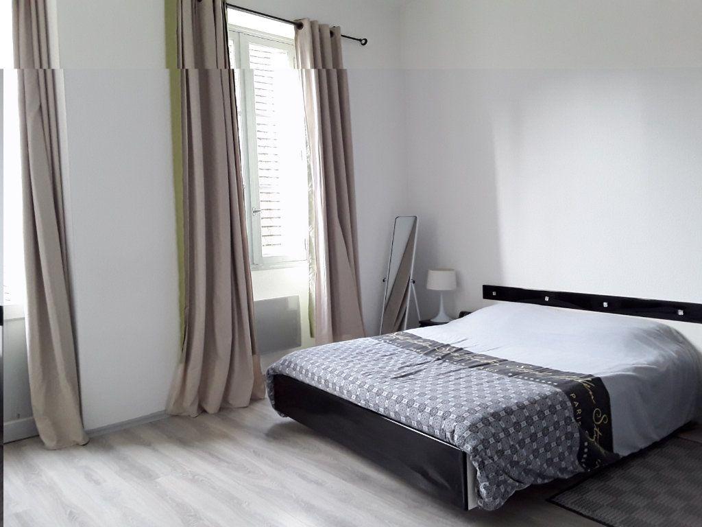 Appartement à vendre 3 96.68m2 à Périgueux vignette-7