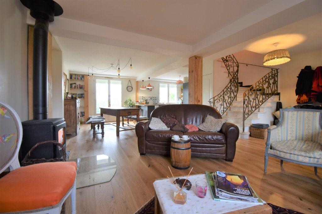 Maison à vendre 5 150m2 à Périgueux vignette-4