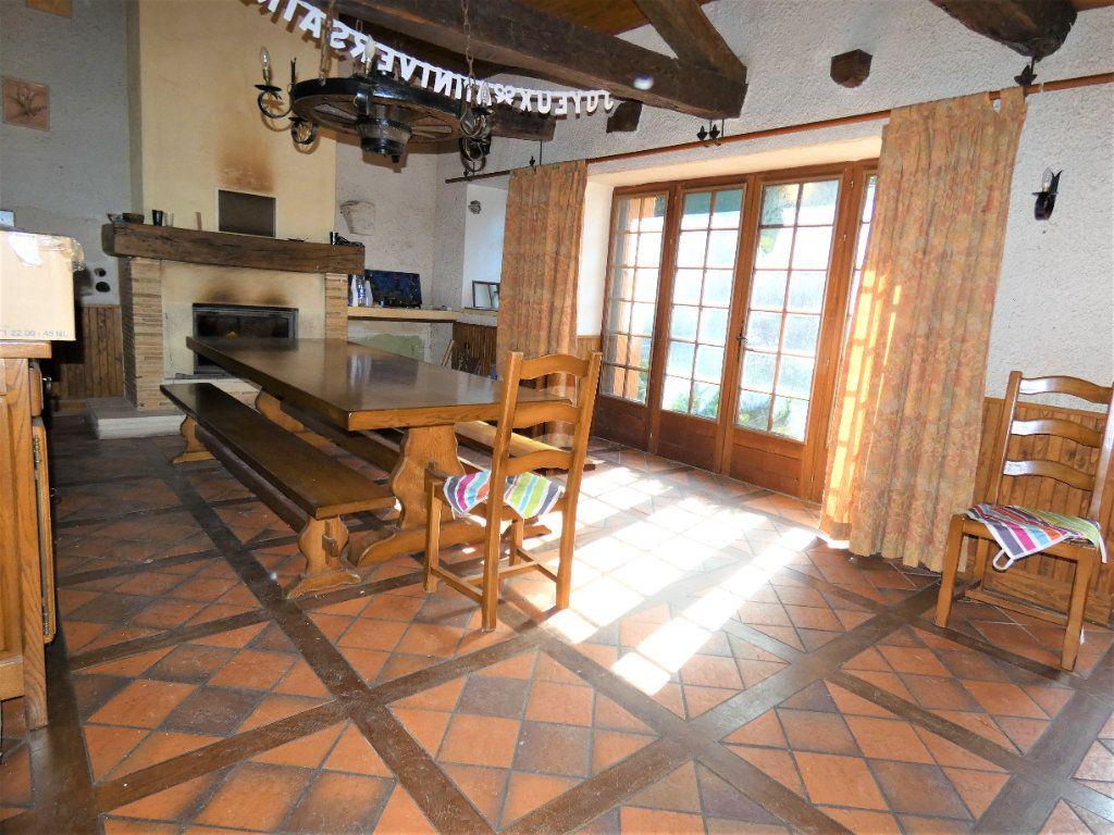 Maison à vendre 5 121m2 à Saint-Astier vignette-5