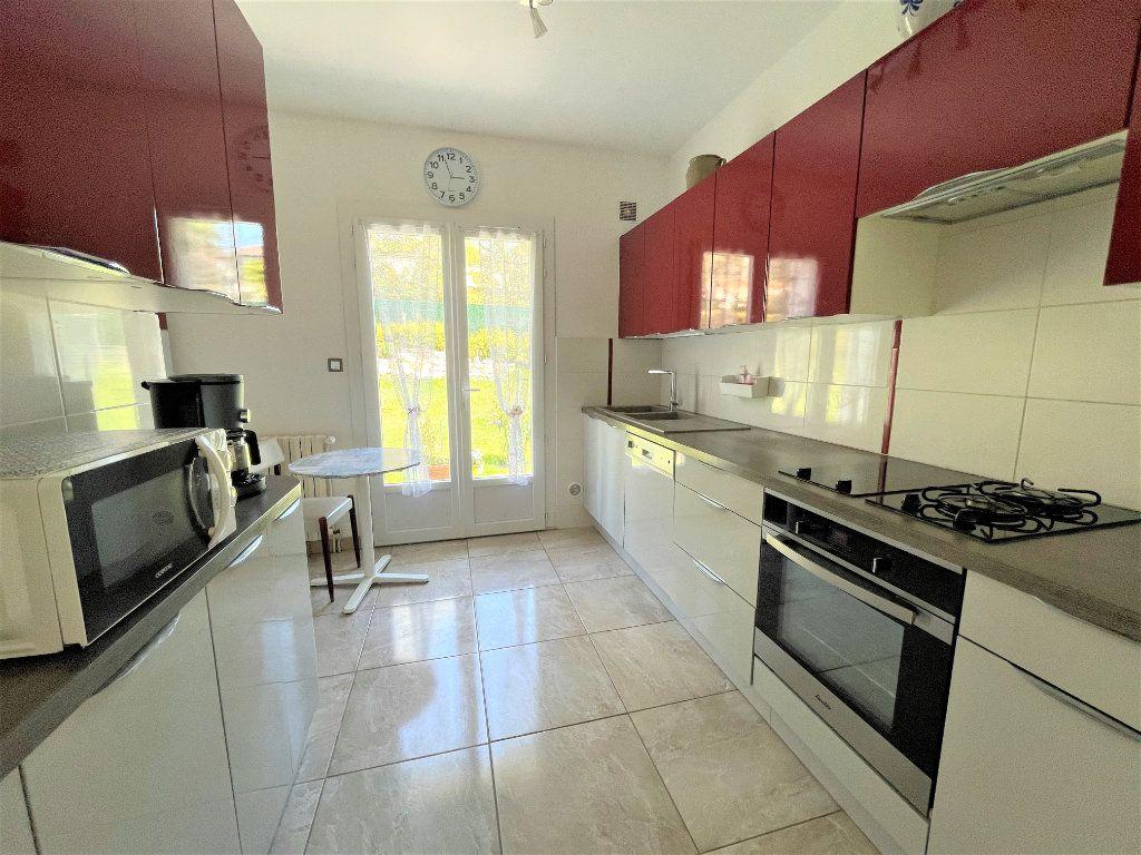 Maison à vendre 5 140m2 à Périgueux vignette-3