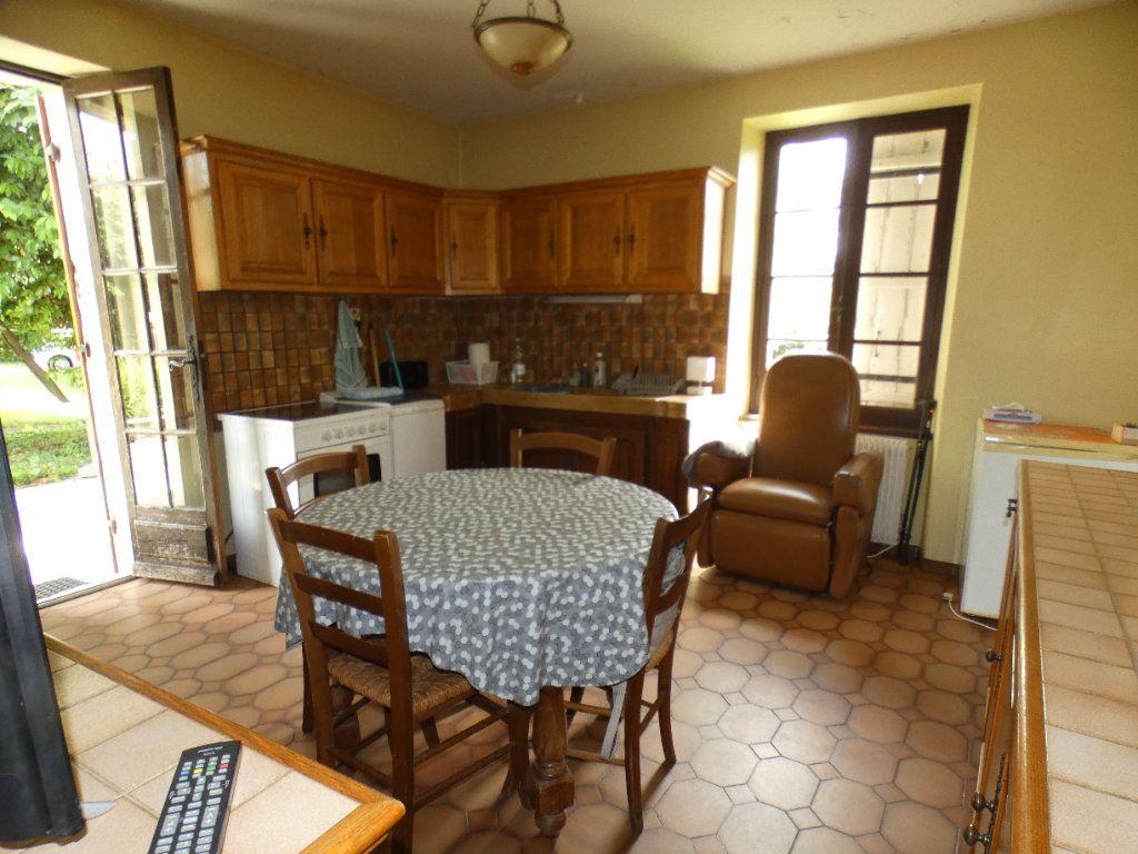 Maison à vendre 9 300m2 à Ribérac vignette-5