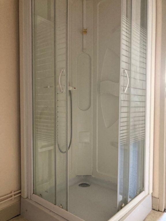 Appartement à louer 1 24m2 à Périgueux vignette-5