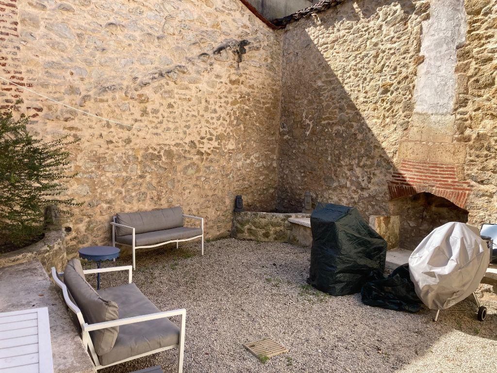 Maison à vendre 4 140m2 à Périgueux vignette-1