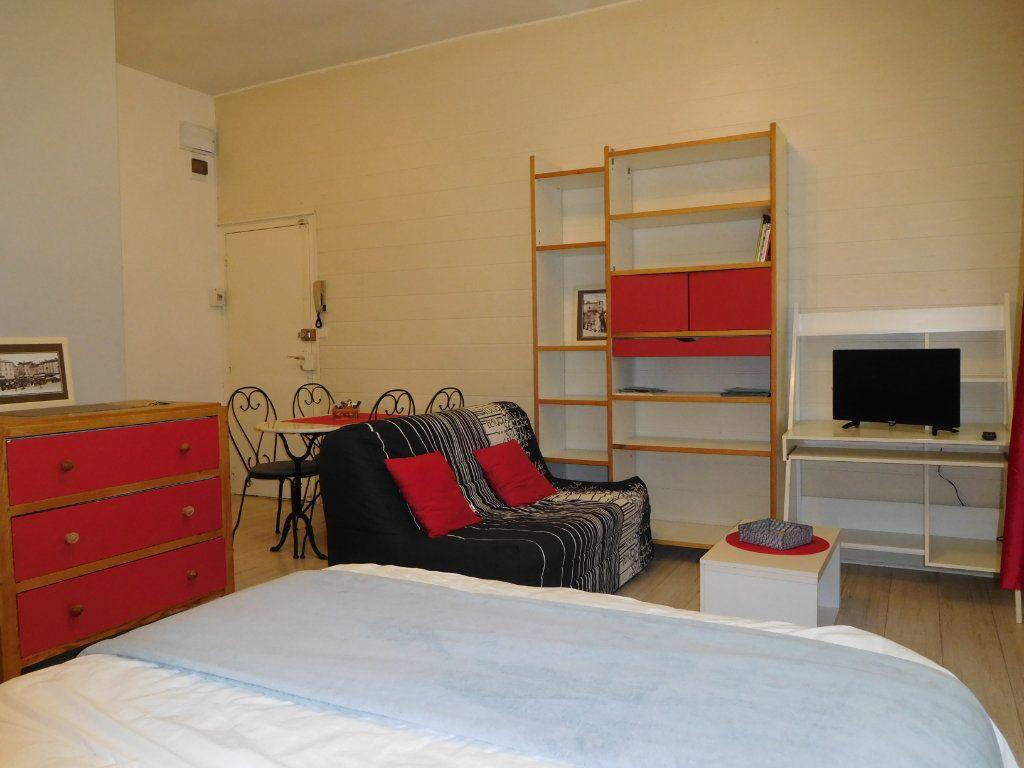 Appartement à vendre 1 28m2 à Périgueux vignette-2
