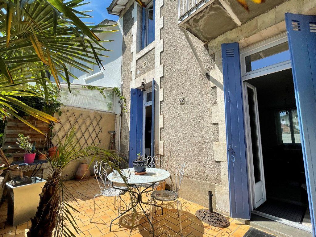 Maison à vendre 4 100m2 à Périgueux vignette-1