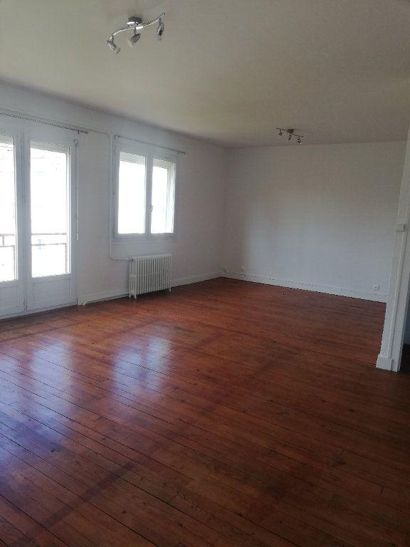 Appartement à louer 3 73m2 à Saint-Astier vignette-1