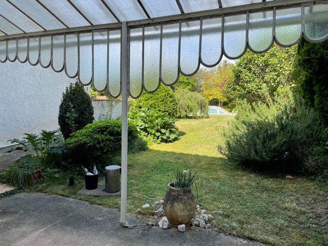 Maison à vendre 5 170m2 à Saint-Astier vignette-4