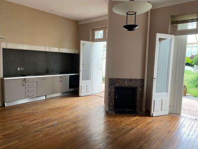 Maison à vendre 5 170m2 à Saint-Astier vignette-6