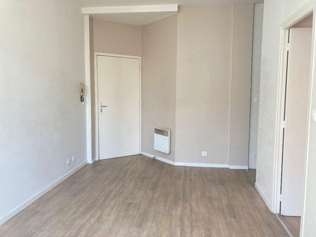 Appartement à louer 2 32.74m2 à Périgueux vignette-1