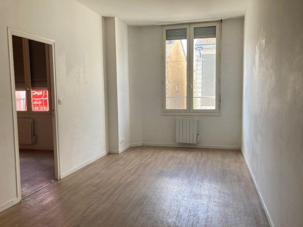 Appartement à louer 2 32.74m2 à Périgueux vignette-2