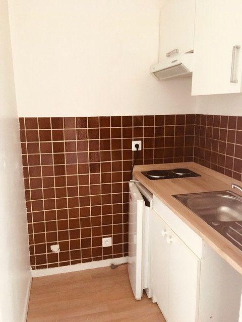 Appartement à louer 2 32.74m2 à Périgueux vignette-3