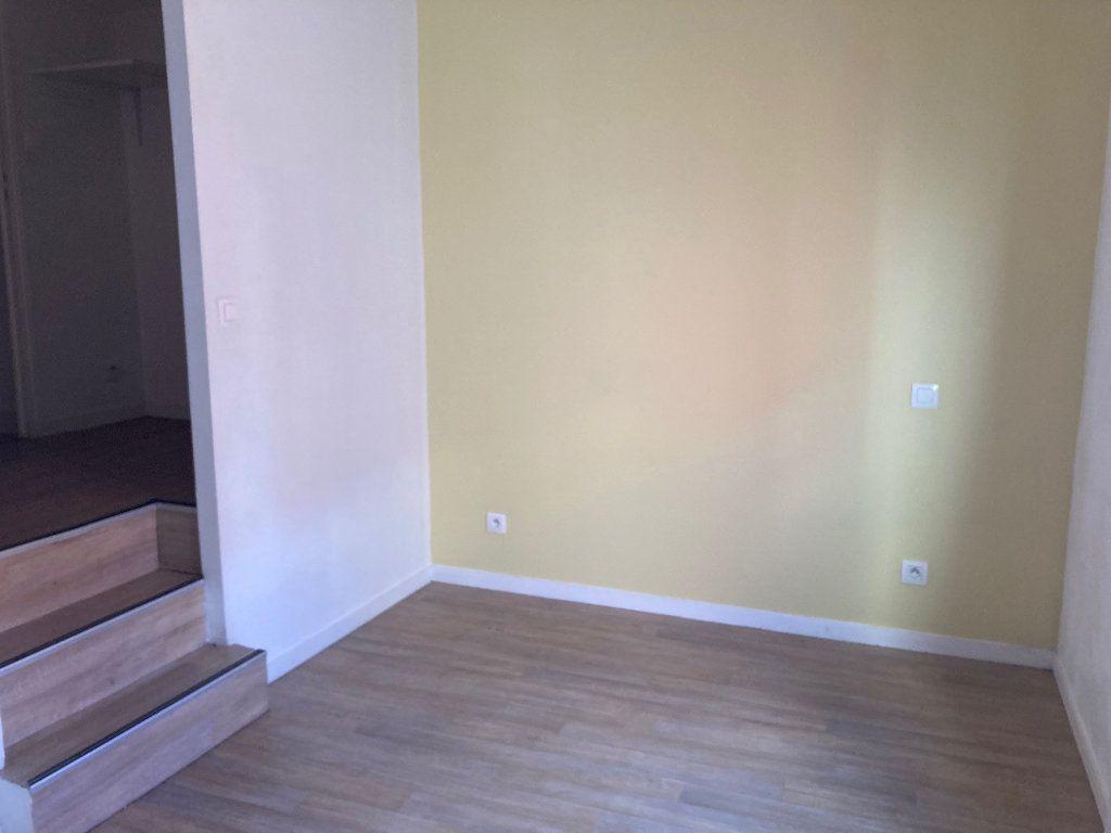 Appartement à louer 2 32.74m2 à Périgueux vignette-4
