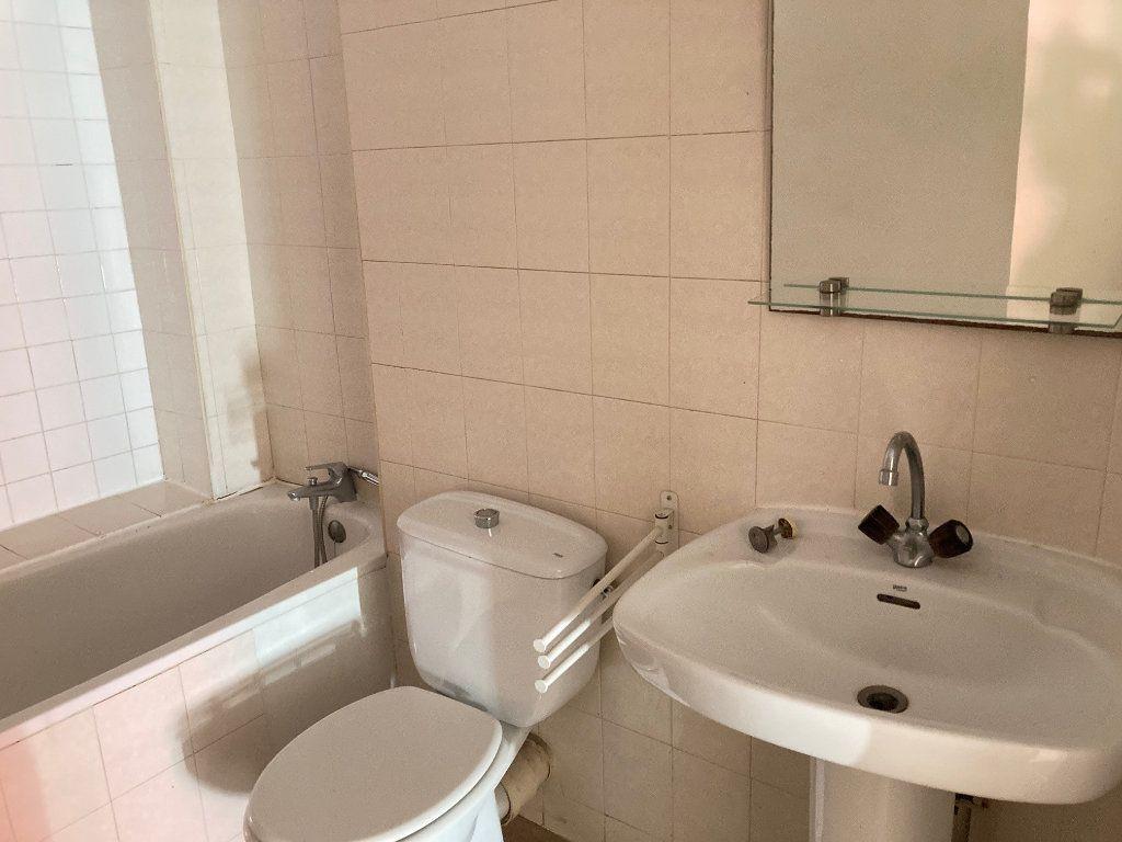 Appartement à louer 2 32.74m2 à Périgueux vignette-5