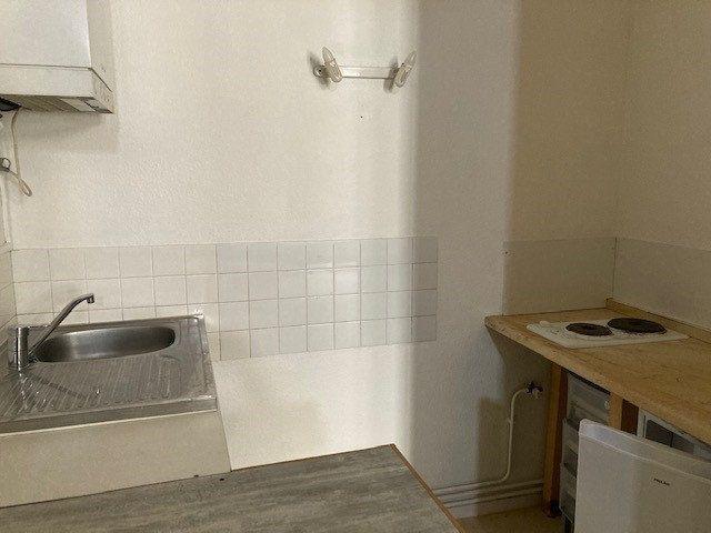 Appartement à louer 1 39m2 à Périgueux vignette-4