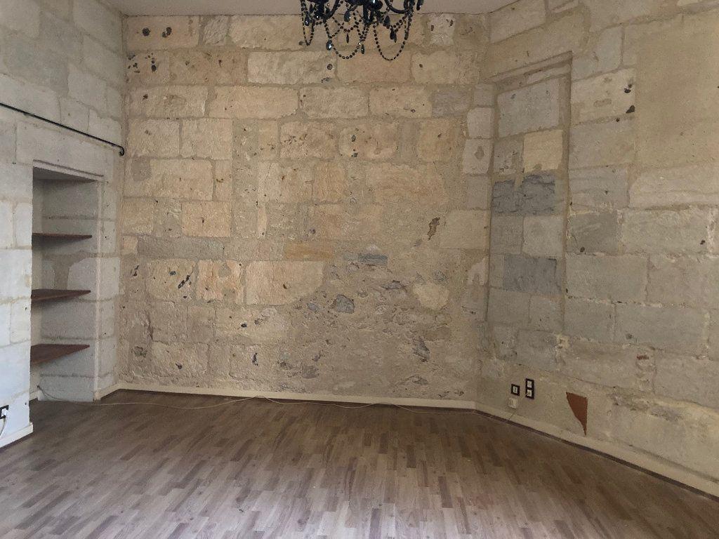 Appartement à louer 2 71m2 à Périgueux vignette-2