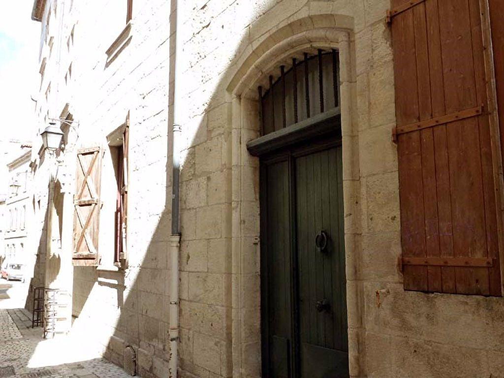 Appartement à louer 2 71m2 à Périgueux vignette-9