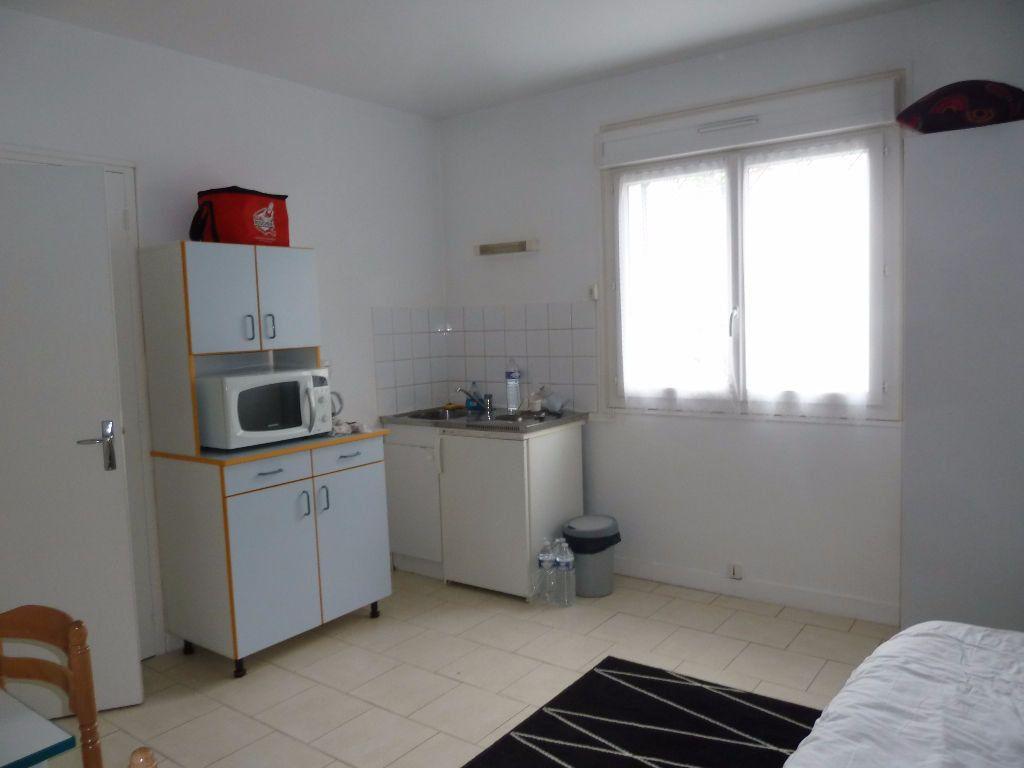 Appartement à louer 1 17.24m2 à Périgueux vignette-2