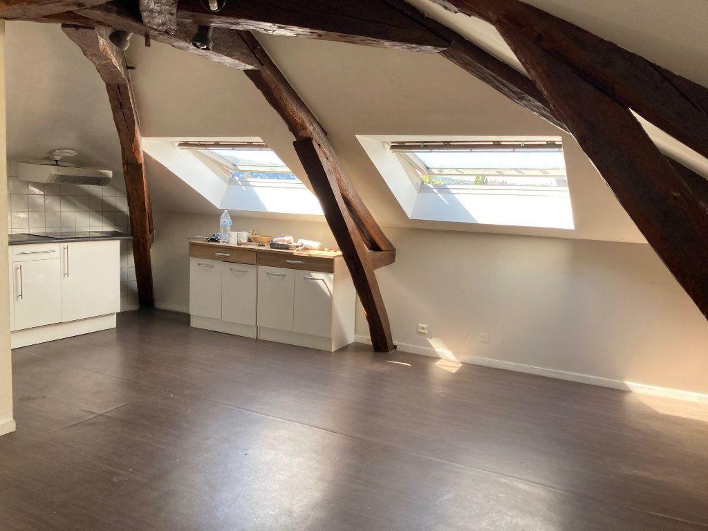 Appartement à louer 2 25m2 à Périgueux vignette-2