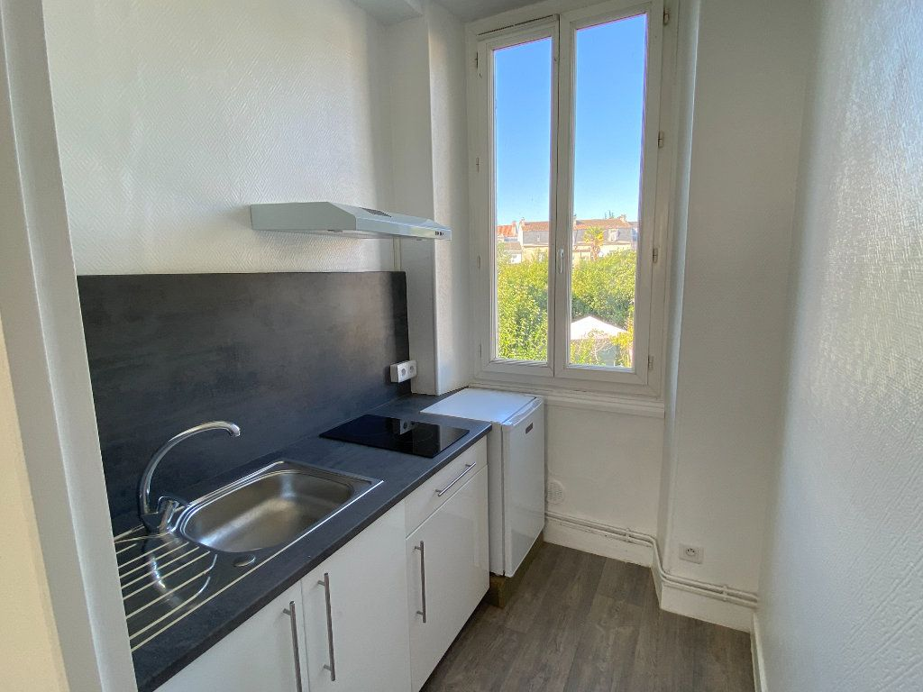 Appartement à louer 1 20m2 à Périgueux vignette-1