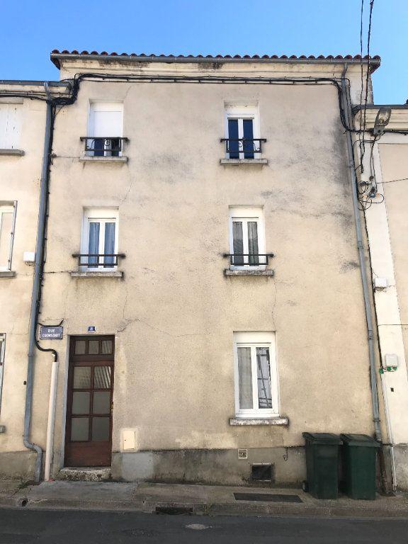 Appartement à louer 2 47m2 à Périgueux vignette-1