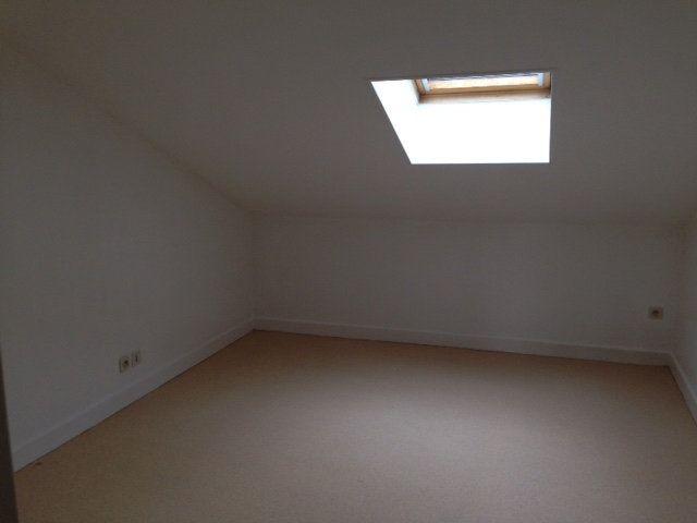 Appartement à louer 1 25m2 à Périgueux vignette-3