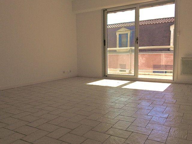 Appartement à louer 2 48.49m2 à Périgueux vignette-2