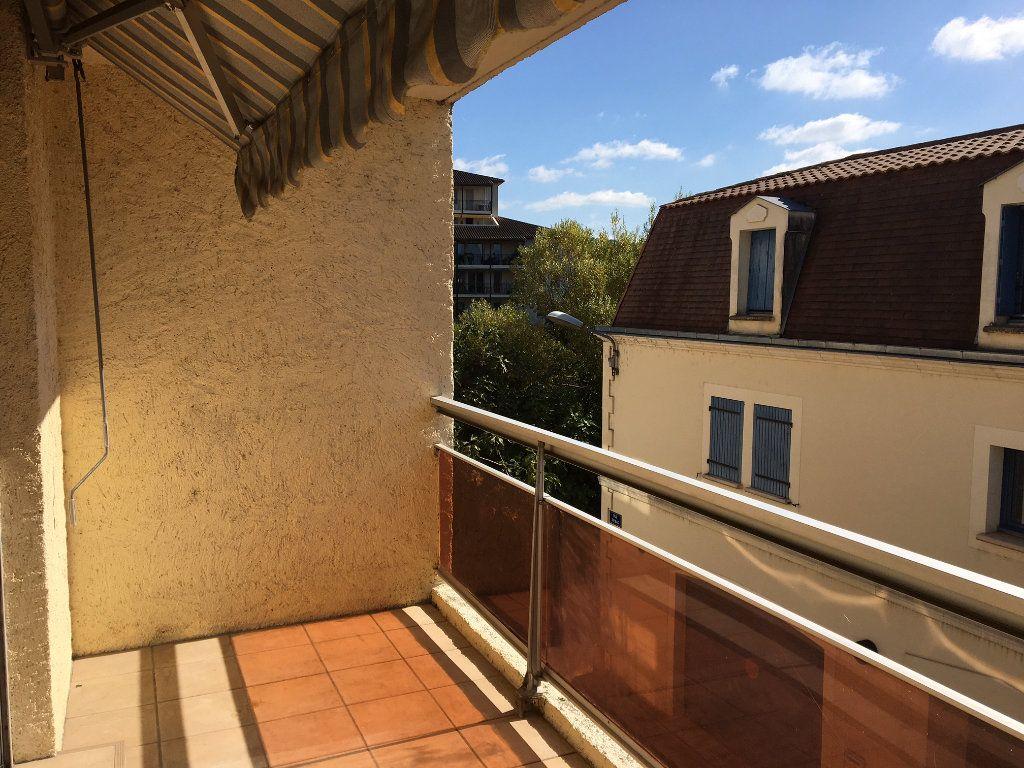 Appartement à louer 2 48.49m2 à Périgueux vignette-3