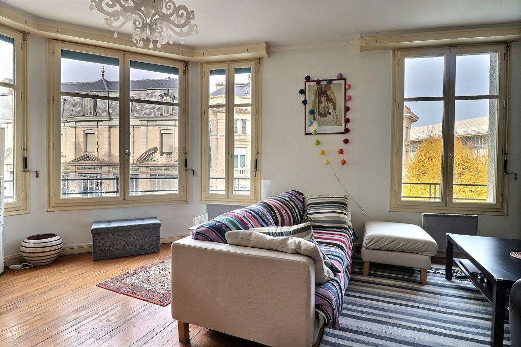 Appartement à vendre 4 135.81m2 à Pau vignette-1