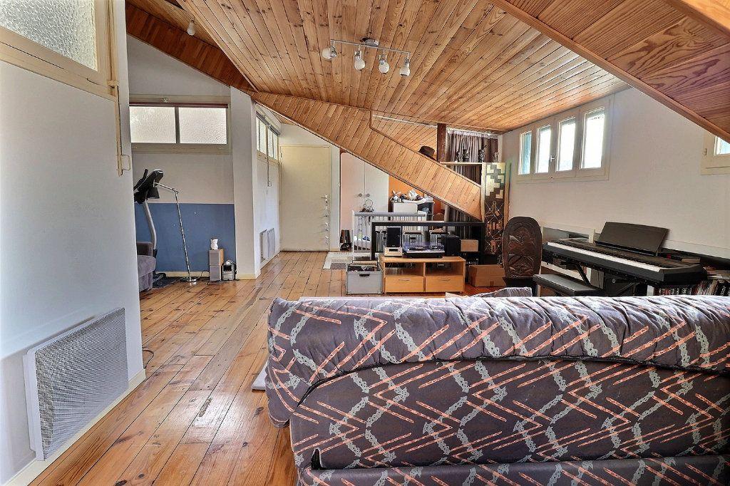 Appartement à vendre 4 135.81m2 à Pau vignette-5
