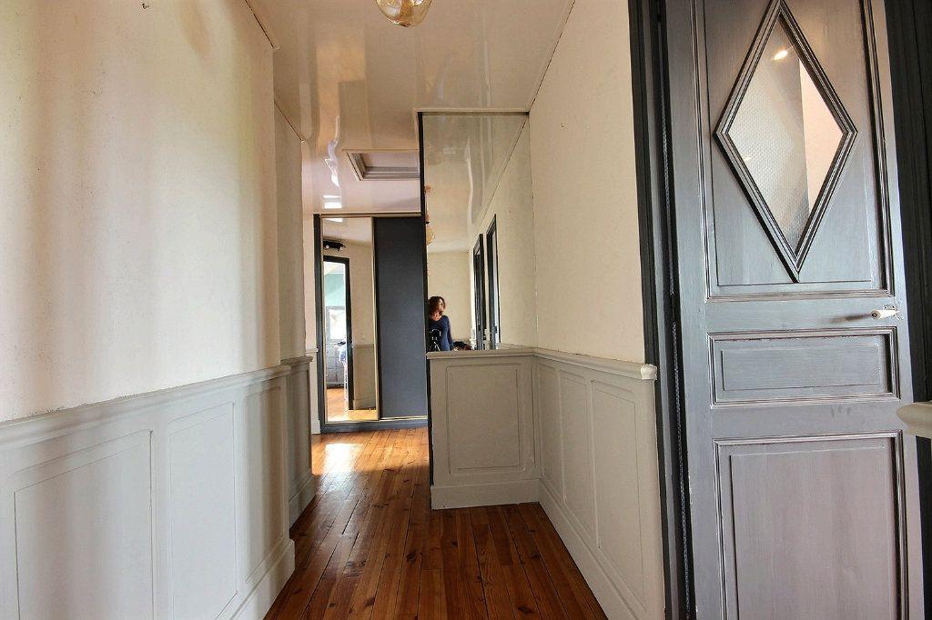 Appartement à vendre 4 102m2 à Pau vignette-4