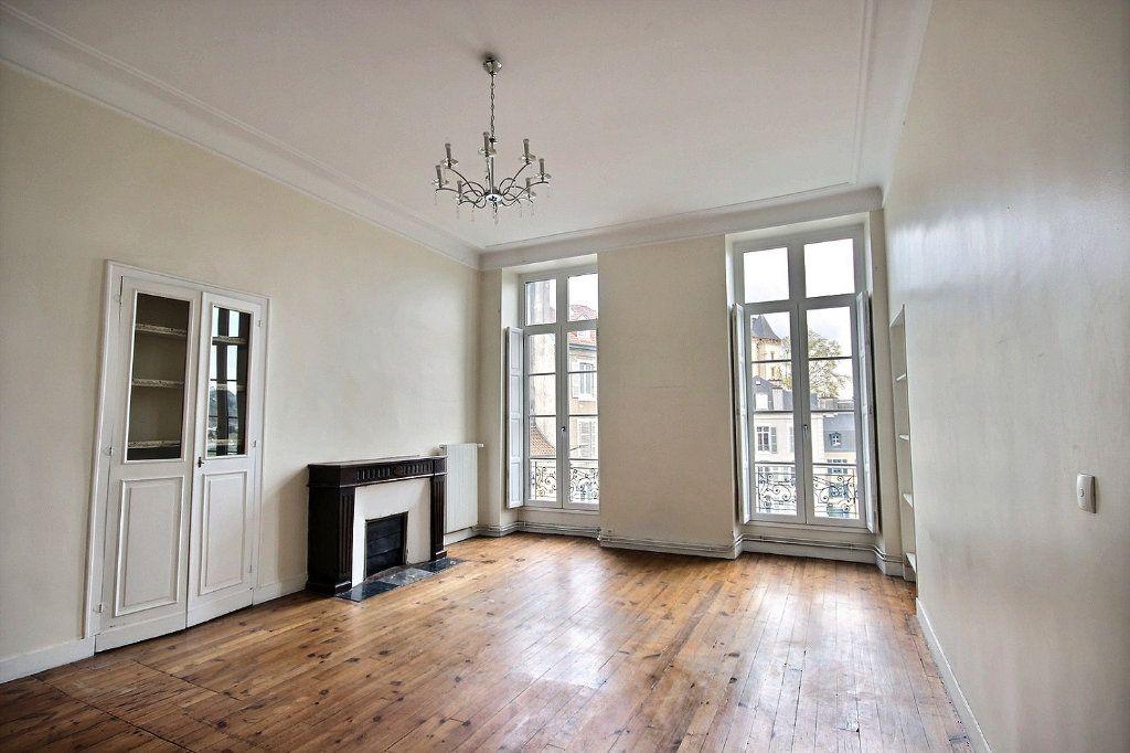 Appartement à vendre 4 120m2 à Pau vignette-1