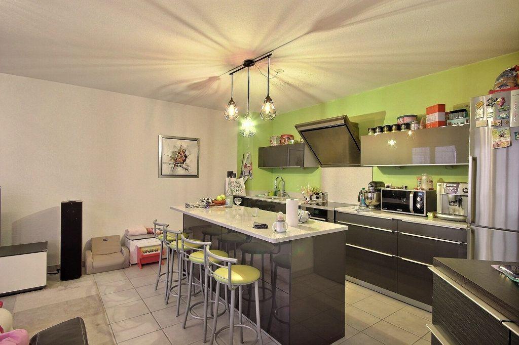 Appartement à vendre 3 75.5m2 à Pau vignette-3