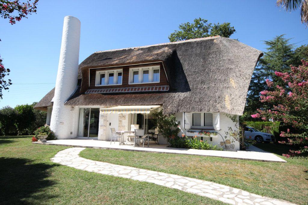 Maison à vendre 6 123m2 à Pau vignette-1