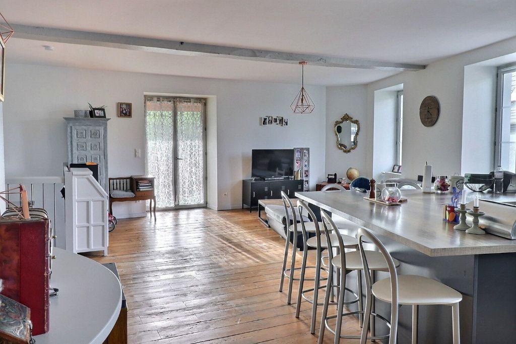 Appartement à vendre 5 130m2 à Jurançon vignette-1