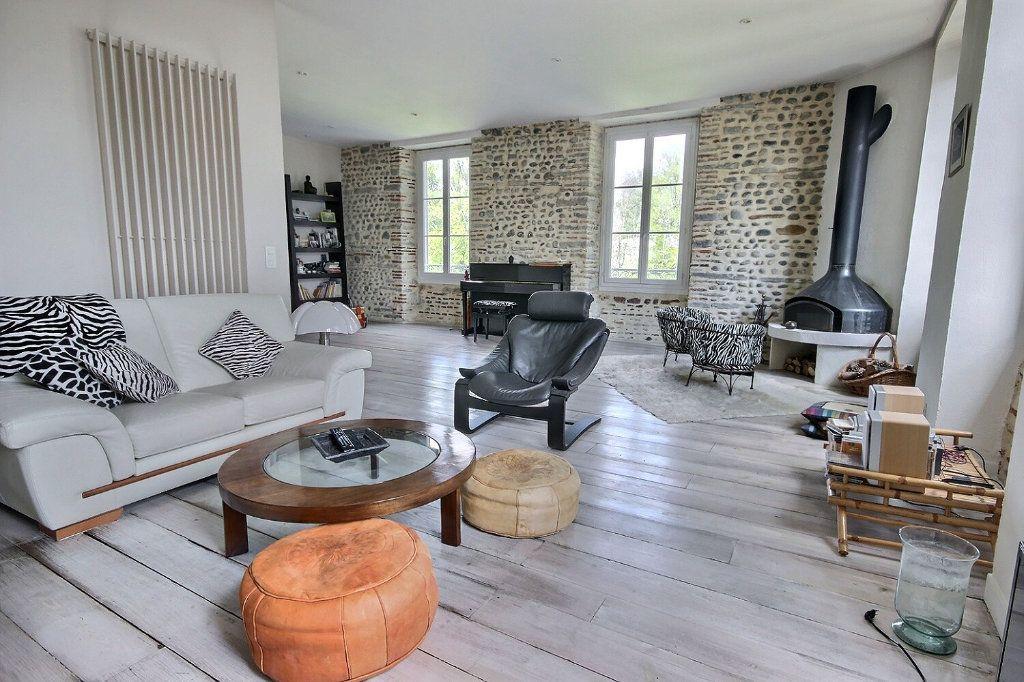 Appartement à vendre 4 129m2 à Pau vignette-1