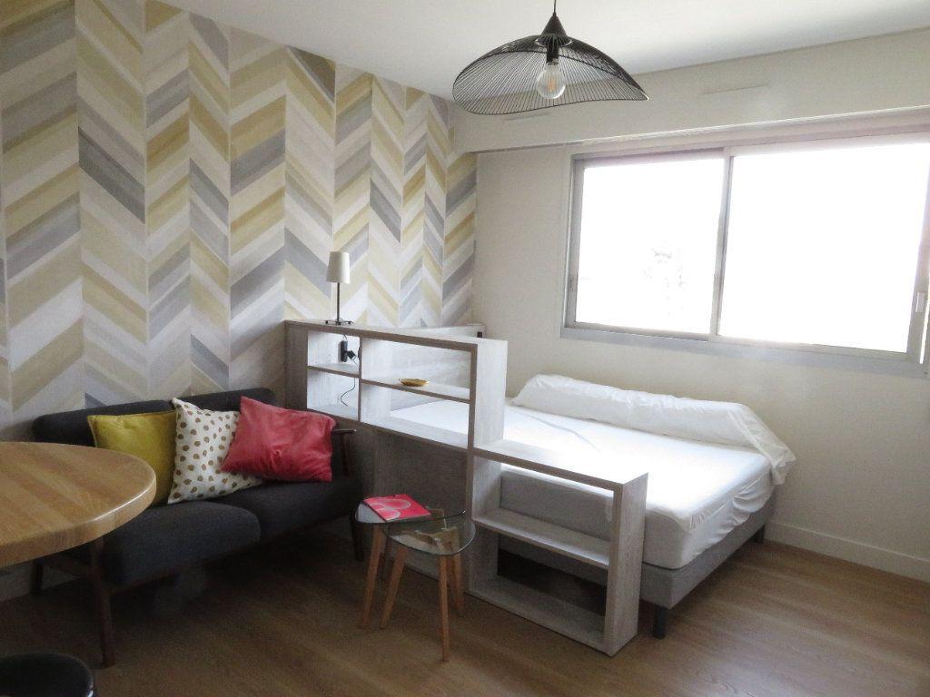 Appartement à louer 1 21m2 à Pau vignette-1