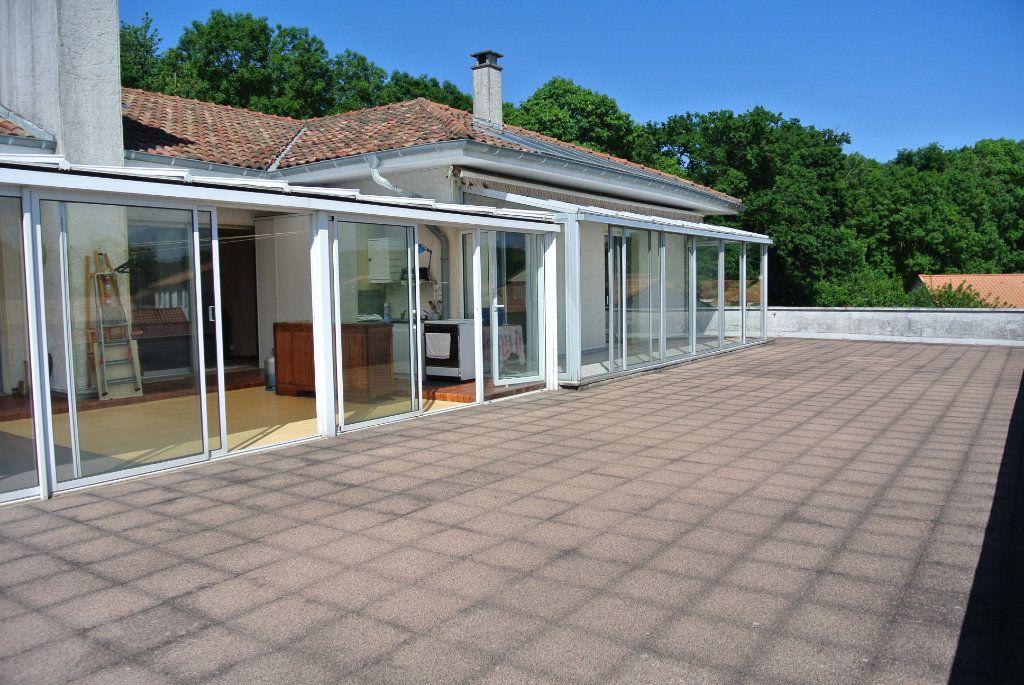 Maison à vendre 9 567.01m2 à Aureilhan vignette-1