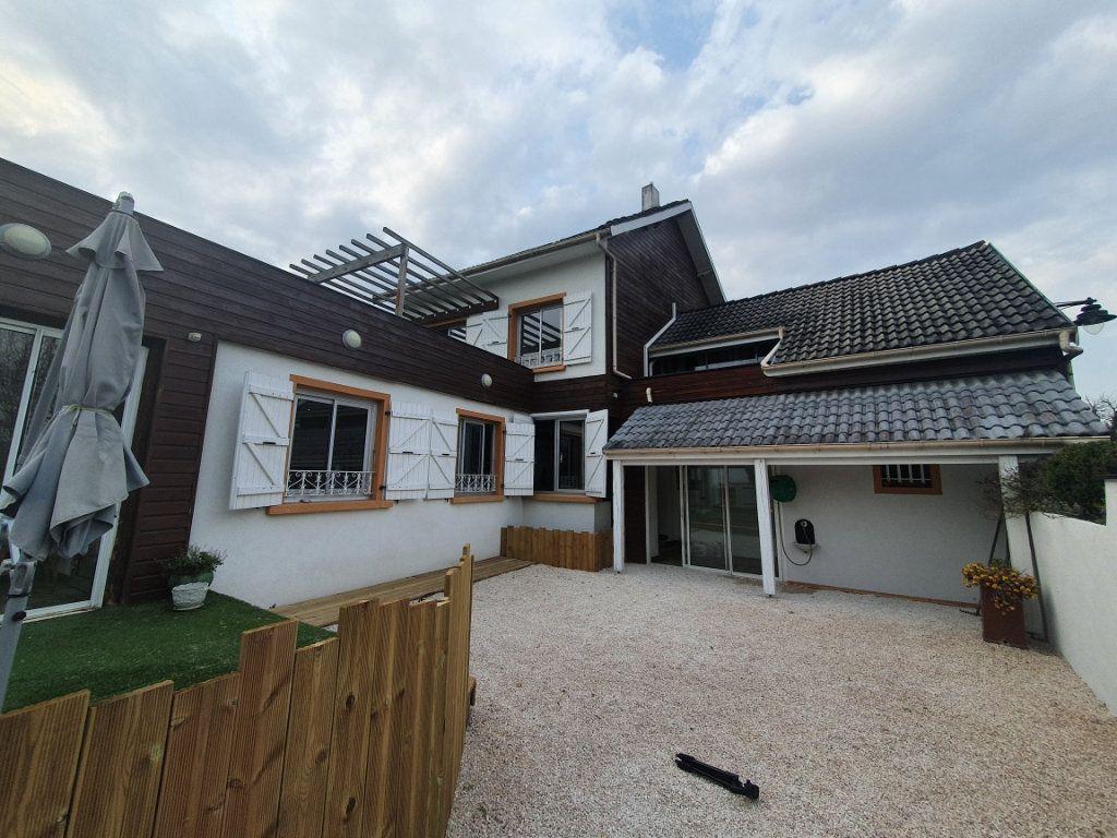 Maison à vendre 4 130m2 à Louey vignette-2