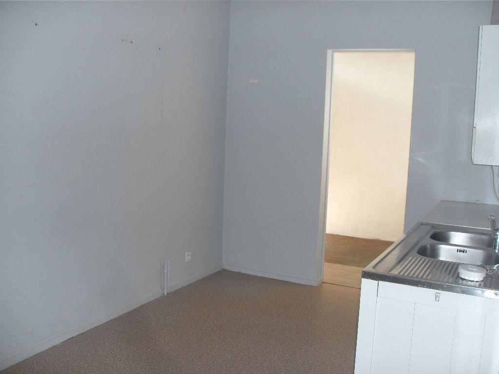 Appartement à louer 5 86m2 à Coarraze vignette-3
