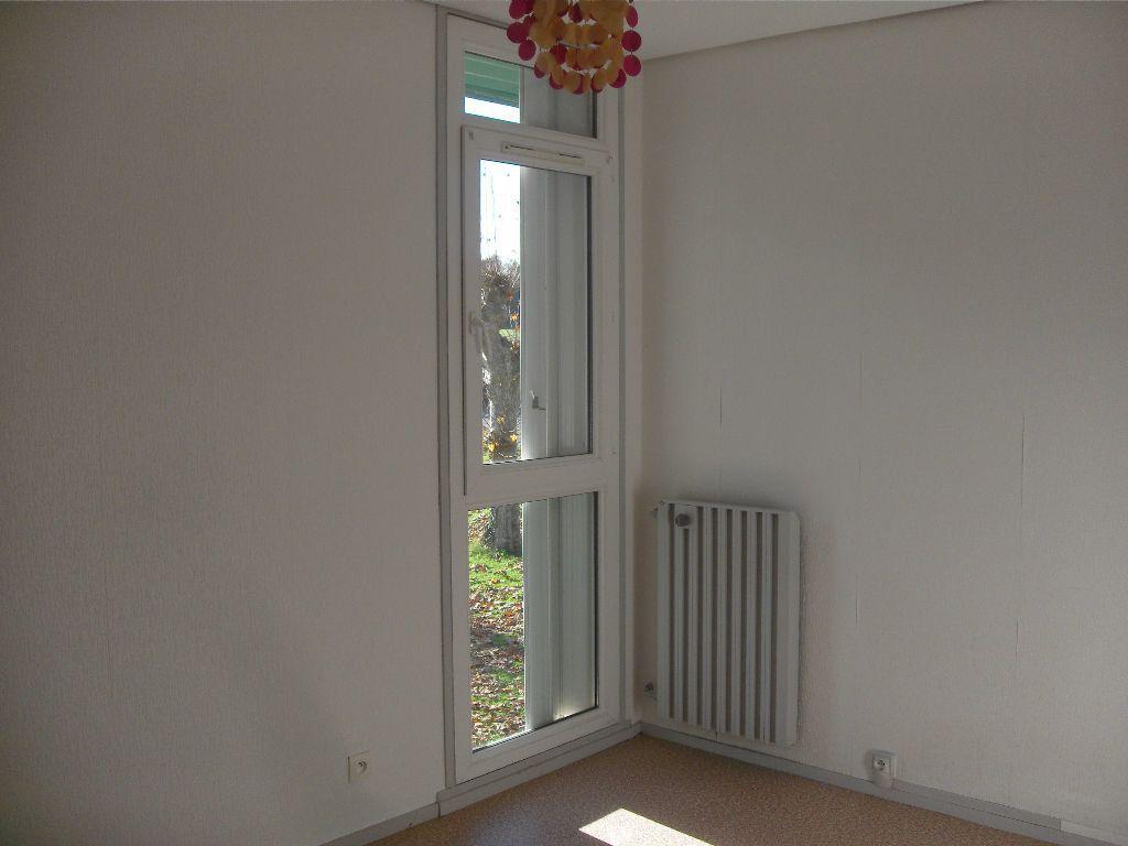 Appartement à louer 5 86m2 à Coarraze vignette-5