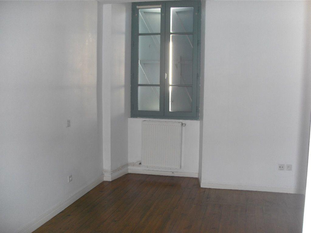 Appartement à louer 3 77.8m2 à Bruges-Capbis-Mifaget vignette-4