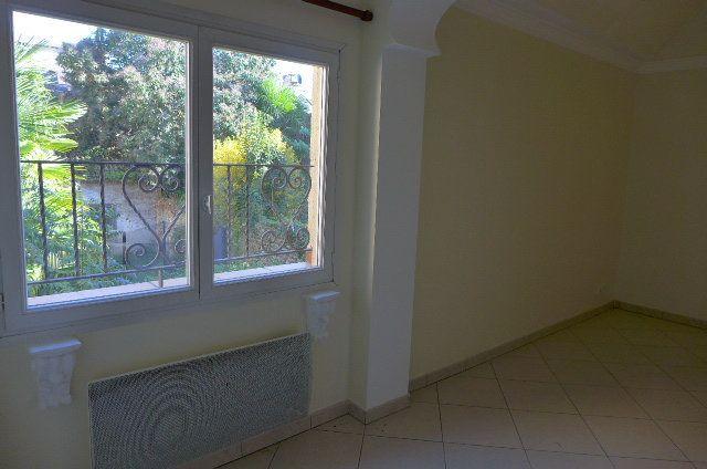 Appartement à louer 1 38m2 à Nay vignette-3