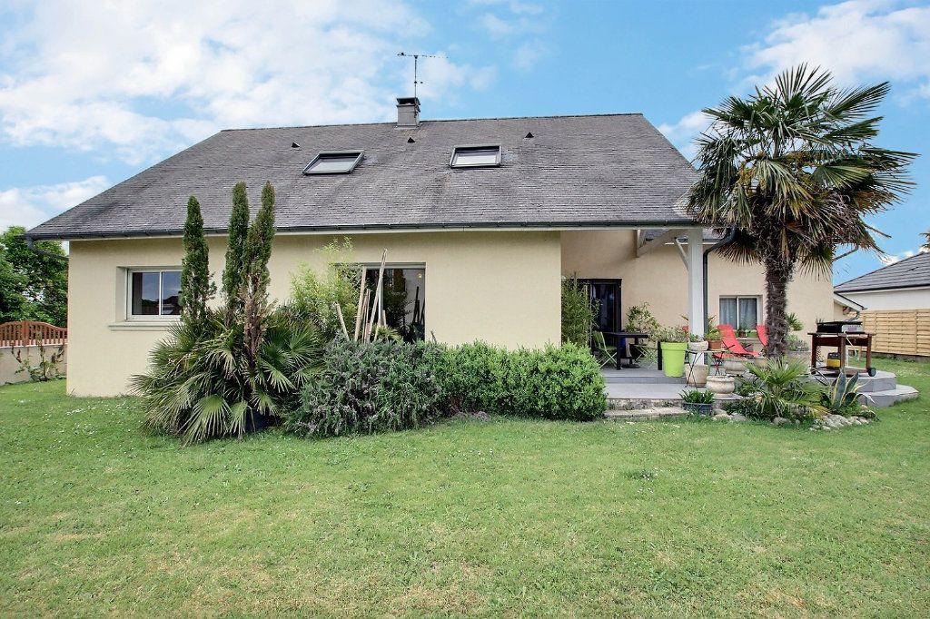 Maison à vendre 8 212m2 à Assat vignette-1