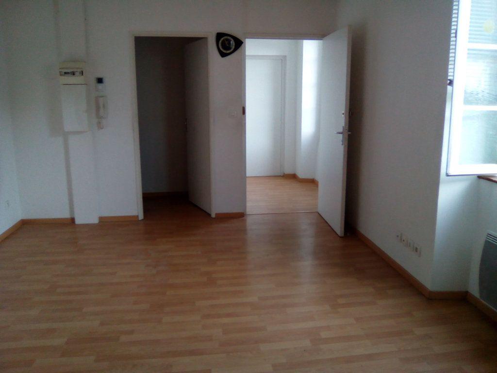 Appartement à louer 3 54.98m2 à Boeil-Bezing vignette-1