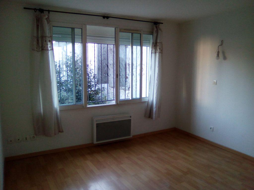 Appartement à louer 3 54.98m2 à Boeil-Bezing vignette-3